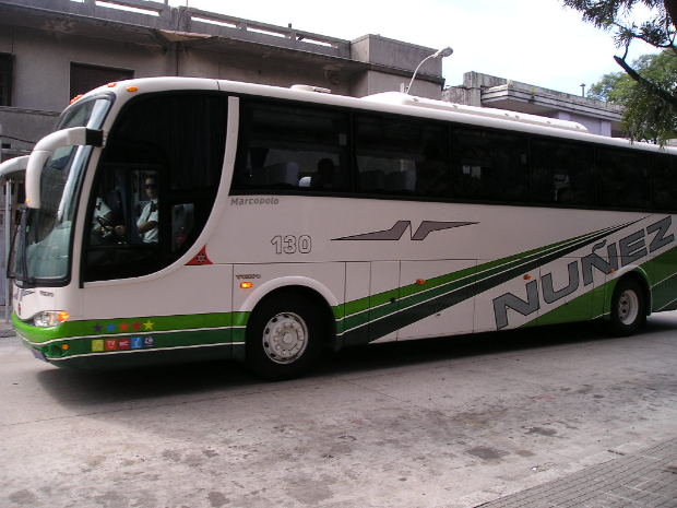 social-short-story-AC-bus-white