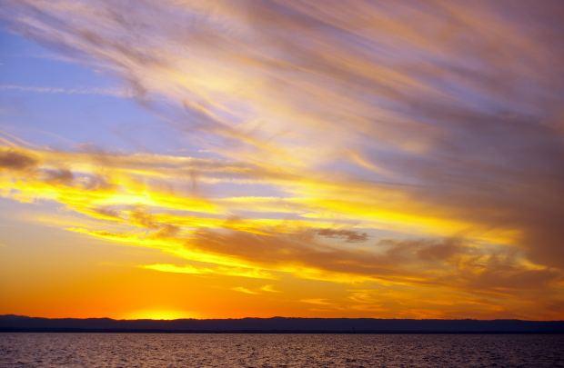 hindi-poem-orange-blue-sky-sea