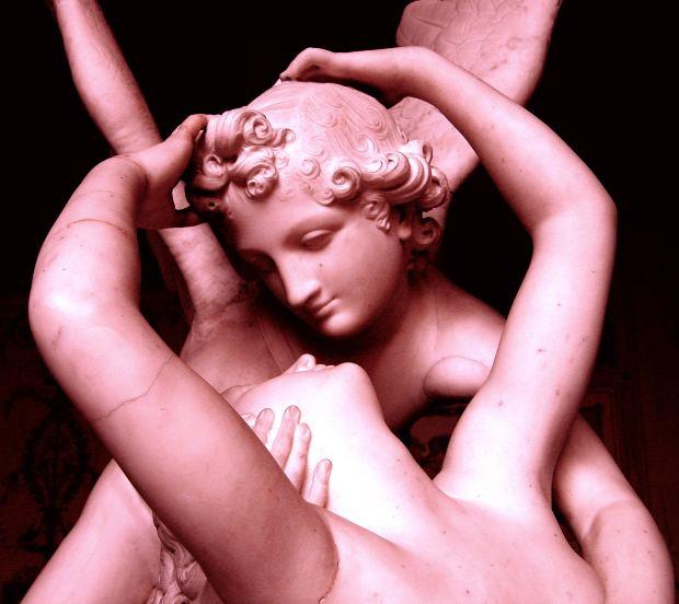 Love-Short-Story-lovers-hug-wings