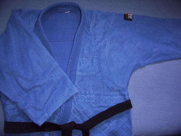 blue-martial-art-dress