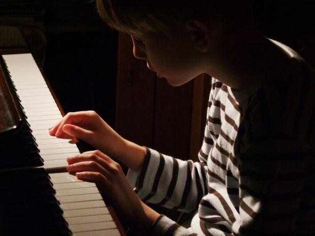 small-boy-piano