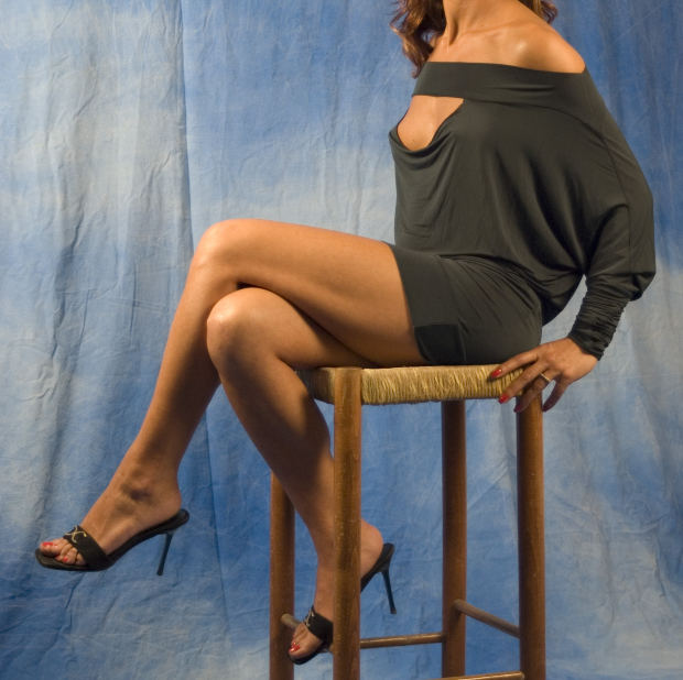 woman-table-legs-mystery