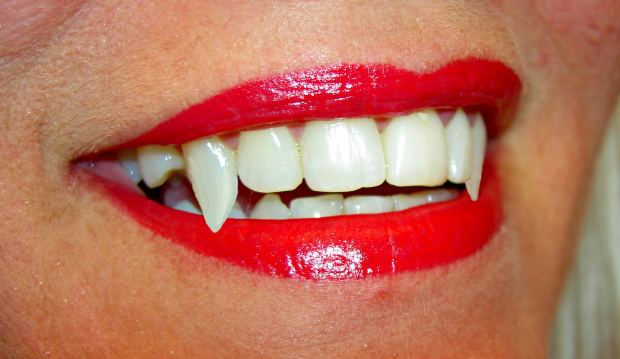 red-lips-smile-vampire