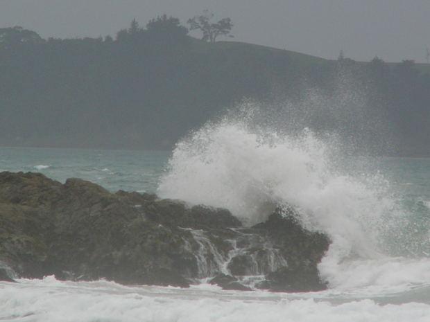 sea-waves-rock