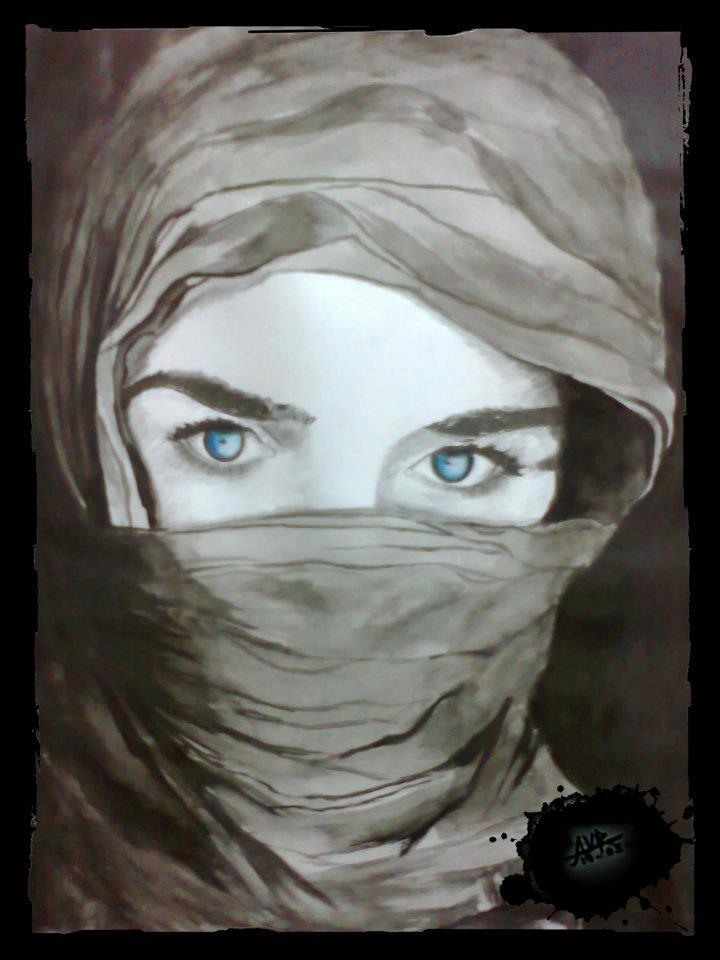 woman-blue-eyes-veil